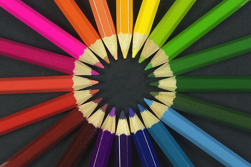 800px-Colouring_pencils